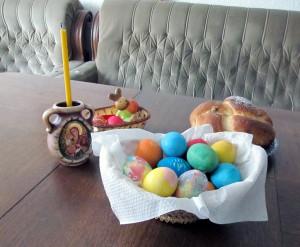 Великденски яйца и козунак