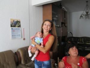 Майка им, моята братовчедка Валентина